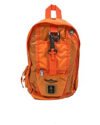 Zaino Aeronautica Militare Frecce Tricolori Arancione Fluo in poliammide,bretelle regolabili e manico,logo davanti,chiusura zip.Resi facili,acquisti sicuri